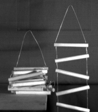 Falling chains (Photo credit: Ruina lab)